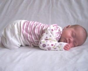 תינוק על הבטן