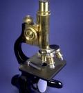 מיקרוסקופ ישן